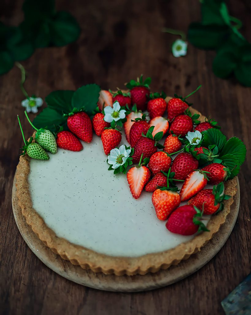 strawberry mascarpone tart closeup